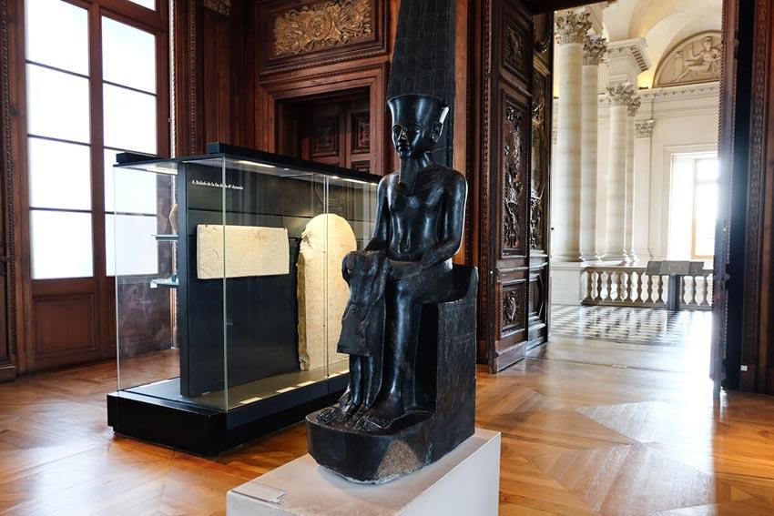 Bảo tàng Louvre ở Paris và những kiệt tác nghệ thuật thế giới - 15