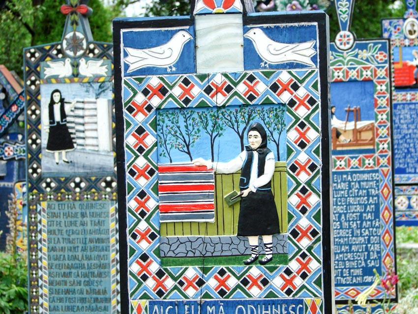 Những bia gỗ rực rỡ ở nghĩa trang Merry - 5