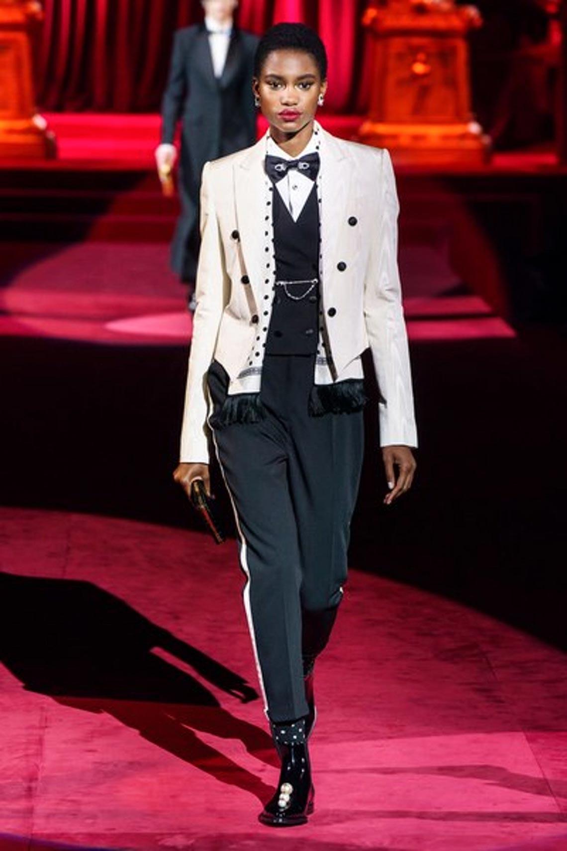 Bộ sưu tập Thu - Đông 2019 của Dolce & Gabbana: một kiệt tác đầy tinh tế - 3