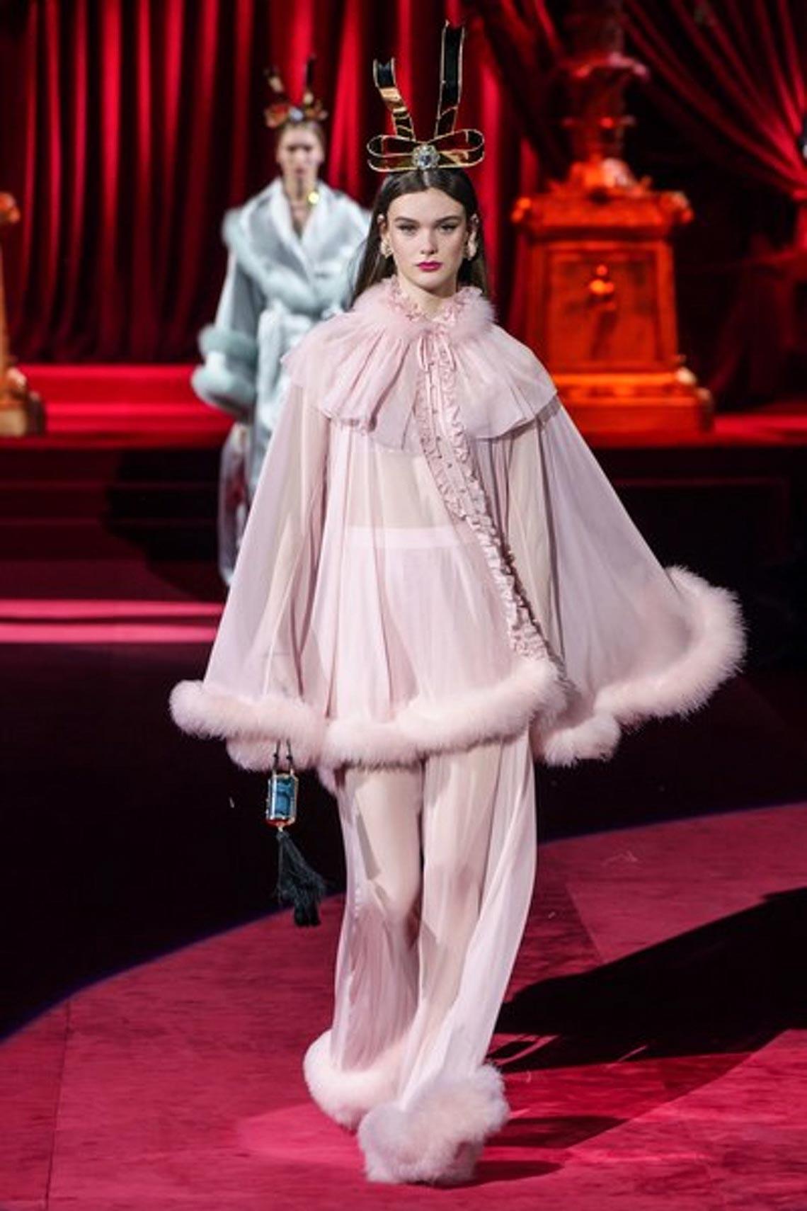 Bộ sưu tập Thu - Đông 2019 của Dolce & Gabbana: một kiệt tác đầy tinh tế - 4