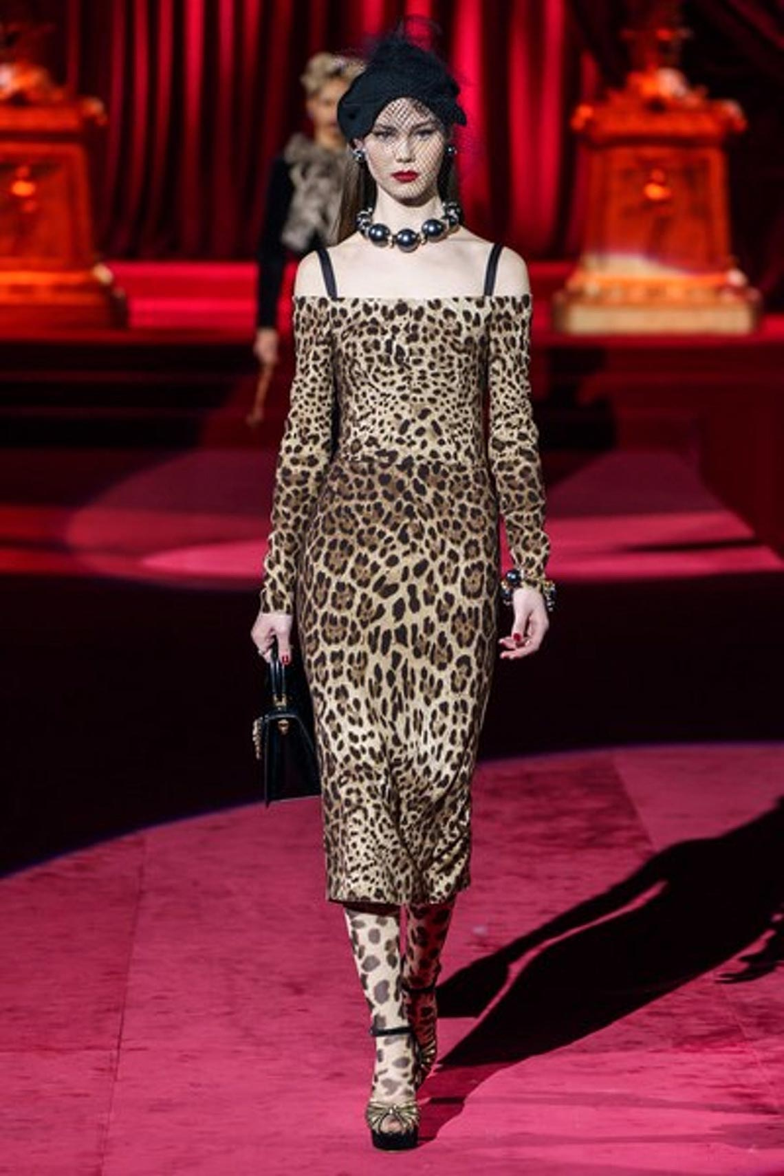 Bộ sưu tập Thu - Đông 2019 của Dolce & Gabbana: một kiệt tác đầy tinh tế - 6