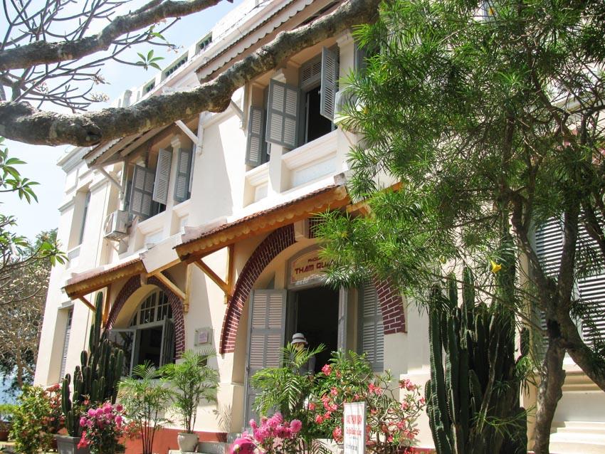 Thăm Dinh Bảo Đại ở Nha Trang - 1