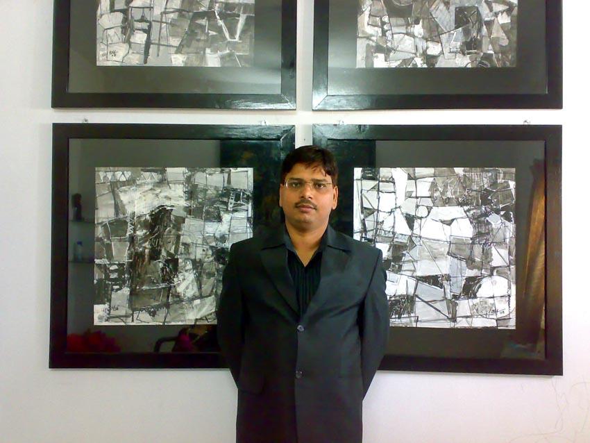 Họa sĩ trừu tượng Ajay Chaudhary - Tay súng tay cọ - 1