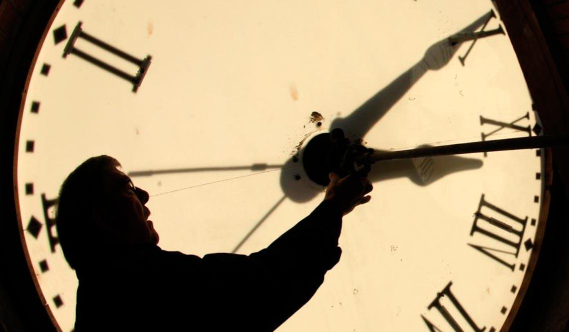 Câu chuyện triết học: Người bị thời gian trói buộc - 4