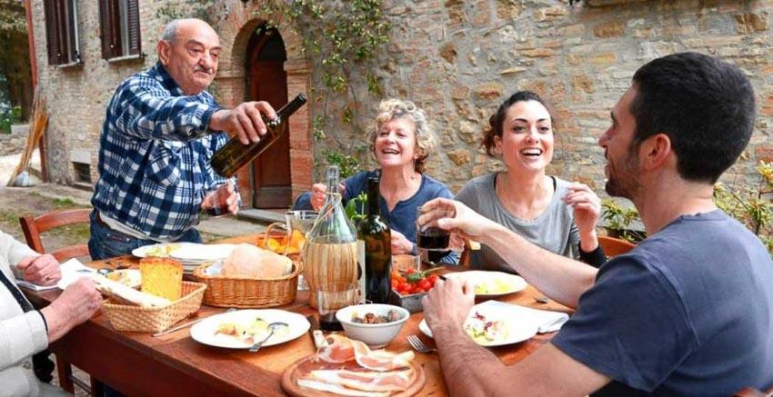 Những quốc gia có chế độ ăn uống giúp trường thọ - 7