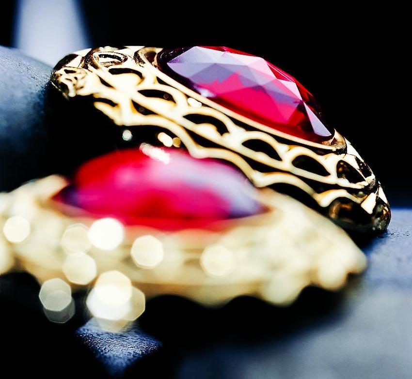Trang sức hồng bảo thạch - Vua châu báu thần bí - 11