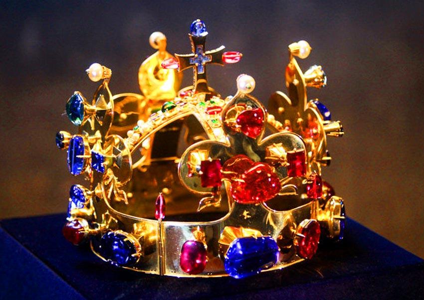 Trang sức hồng bảo thạch - Vua châu báu thần bí - 12