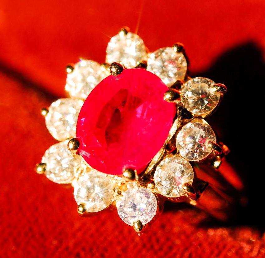 Trang sức hồng bảo thạch - Vua châu báu thần bí - 3