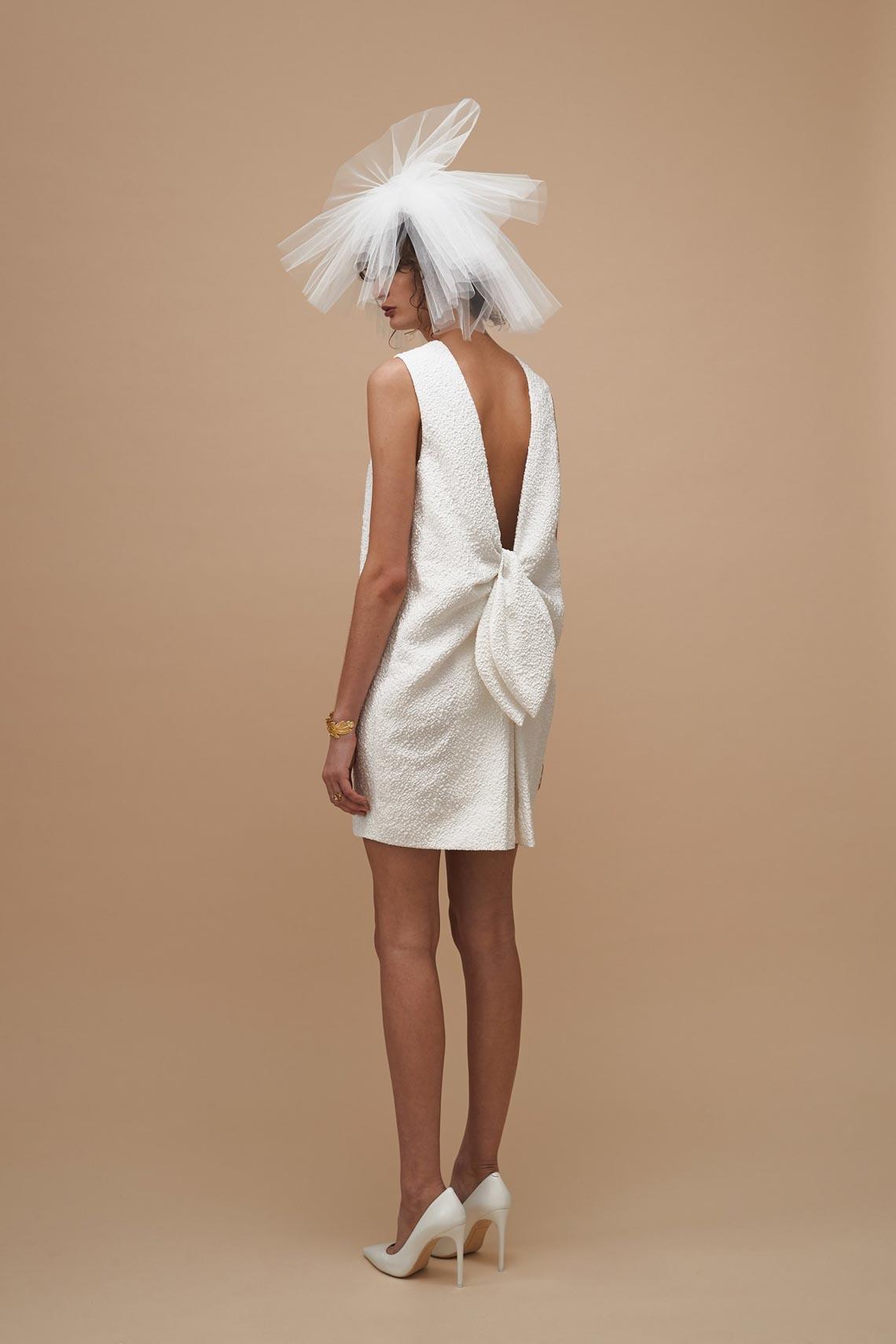 """Karen Walker sắp công bố dòng váy cưới """"sành điệu, tự tin và thực tế"""" - 1"""