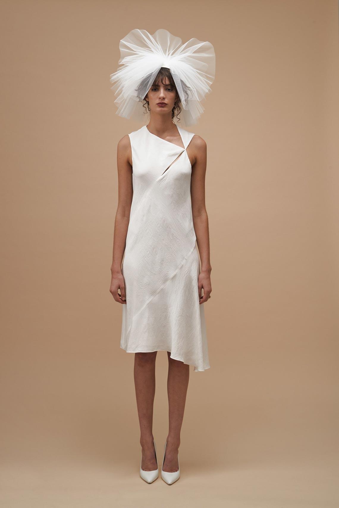 """Karen Walker sắp công bố dòng váy cưới """"sành điệu, tự tin và thực tế"""" - 10"""