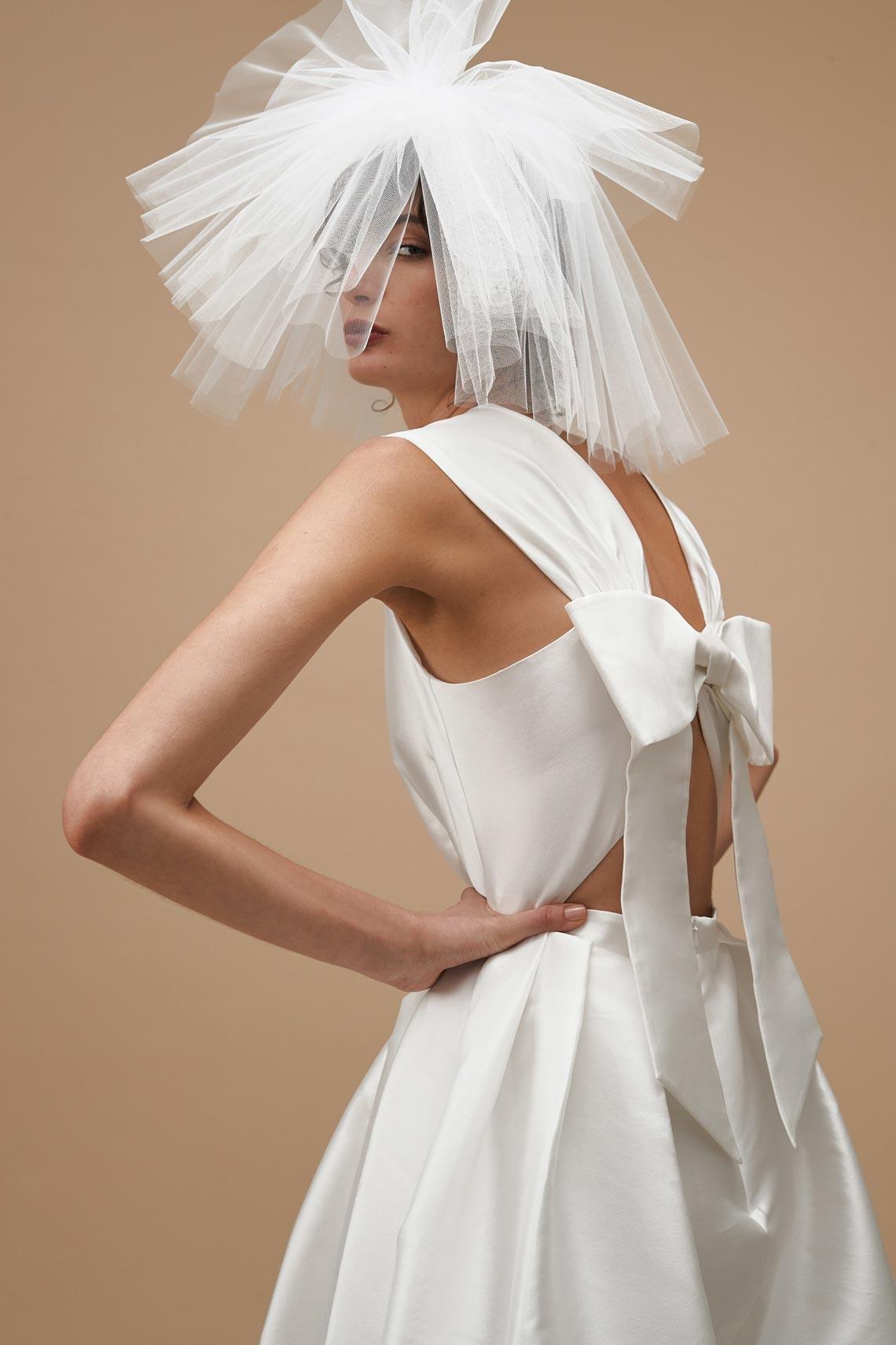 """Karen Walker sắp công bố dòng váy cưới """"sành điệu, tự tin và thực tế"""" - 13"""