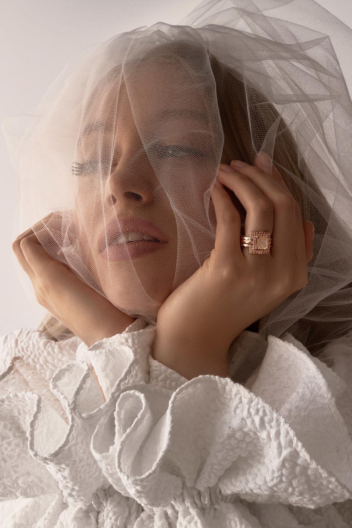 """Karen Walker sắp công bố dòng váy cưới """"sành điệu, tự tin và thực tế"""" - 19"""