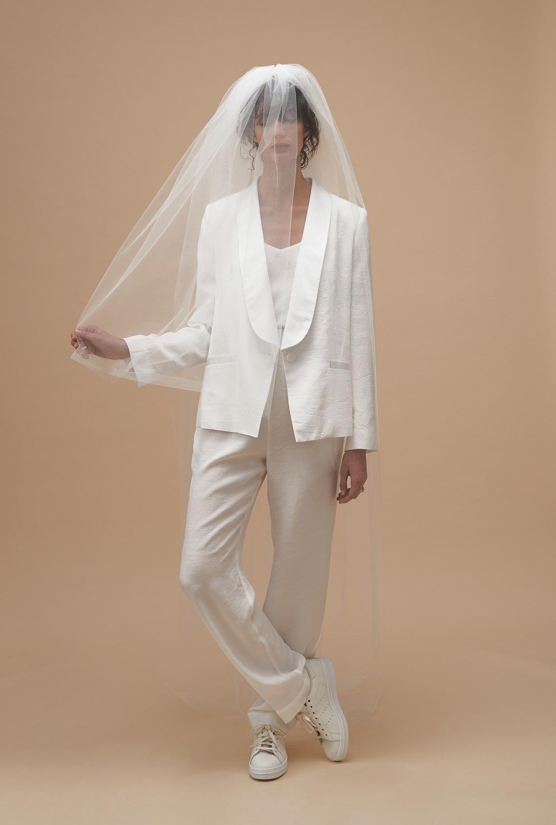 """Karen Walker sắp công bố dòng váy cưới """"sành điệu, tự tin và thực tế"""" - 4"""