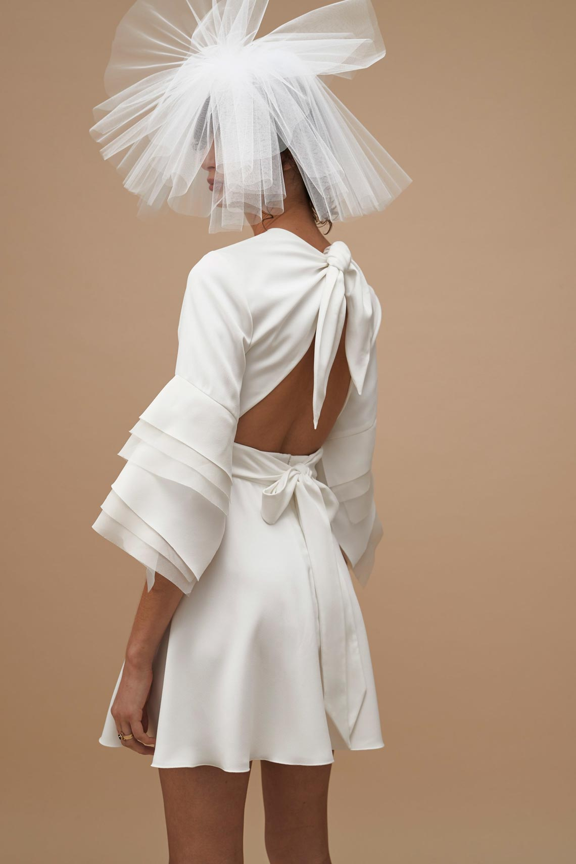 """Karen Walker sắp công bố dòng váy cưới """"sành điệu, tự tin và thực tế"""" - 5"""