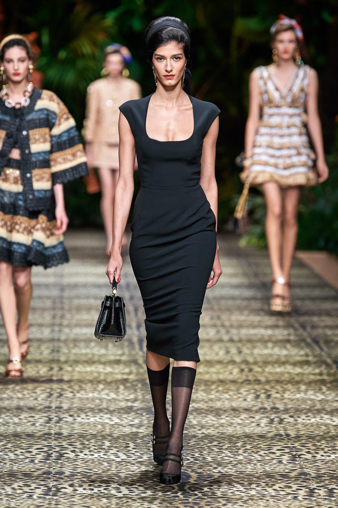 Dolce & Gabbana mang cả khu rừng sang trọng vào BST Xuân Hè 2020 - 11