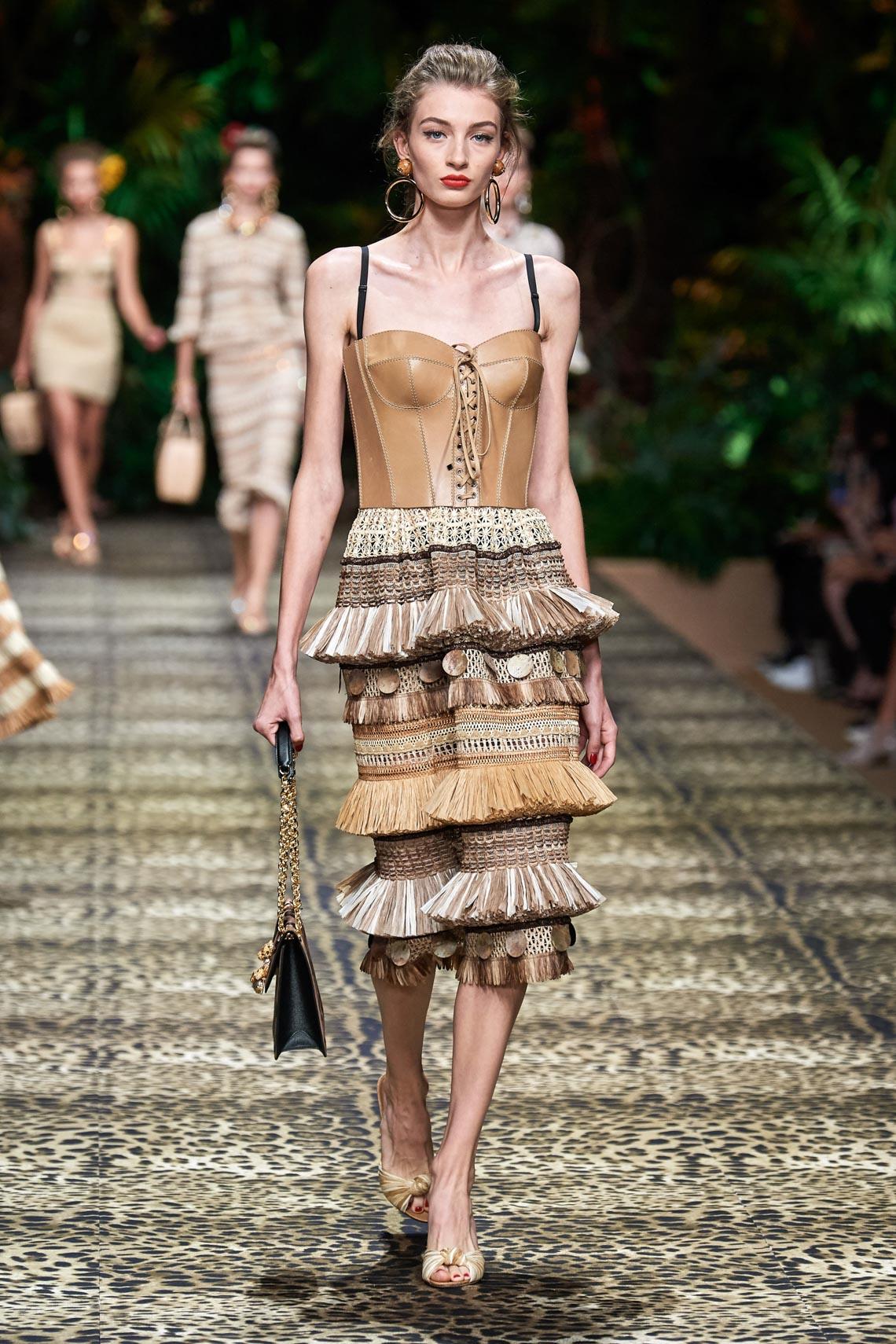 Dolce & Gabbana mang cả khu rừng sang trọng vào BST Xuân Hè 2020 - 13