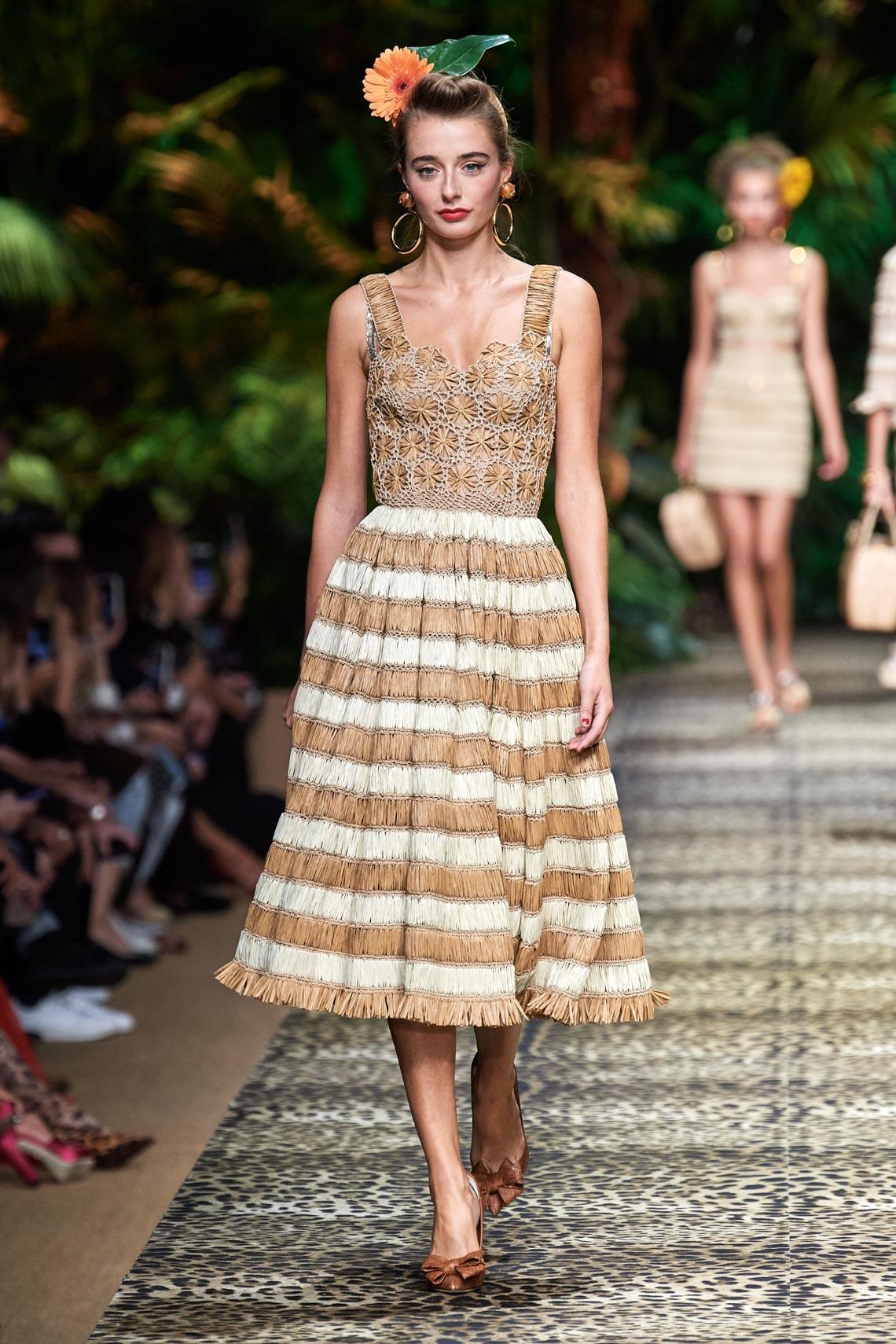 Dolce & Gabbana mang cả khu rừng sang trọng vào BST Xuân Hè 2020 - 14