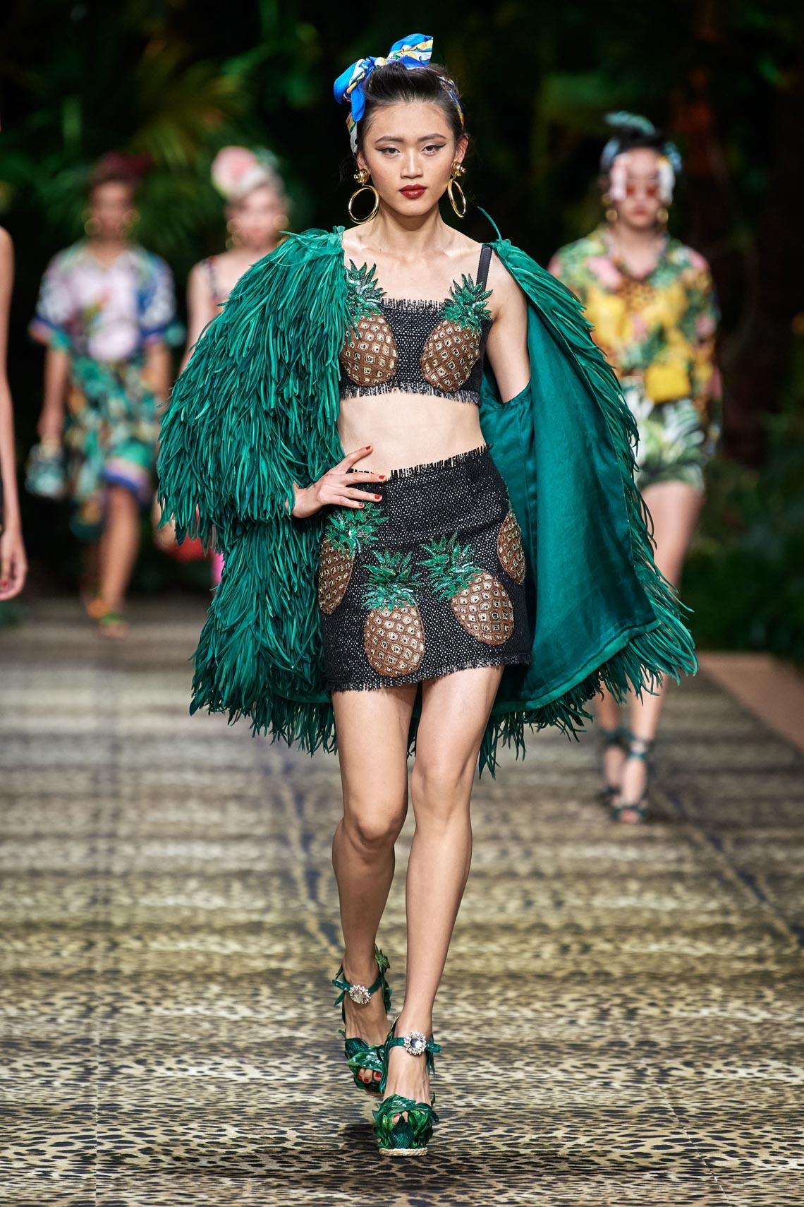 Dolce & Gabbana mang cả khu rừng sang trọng vào BST Xuân Hè 2020 - 17