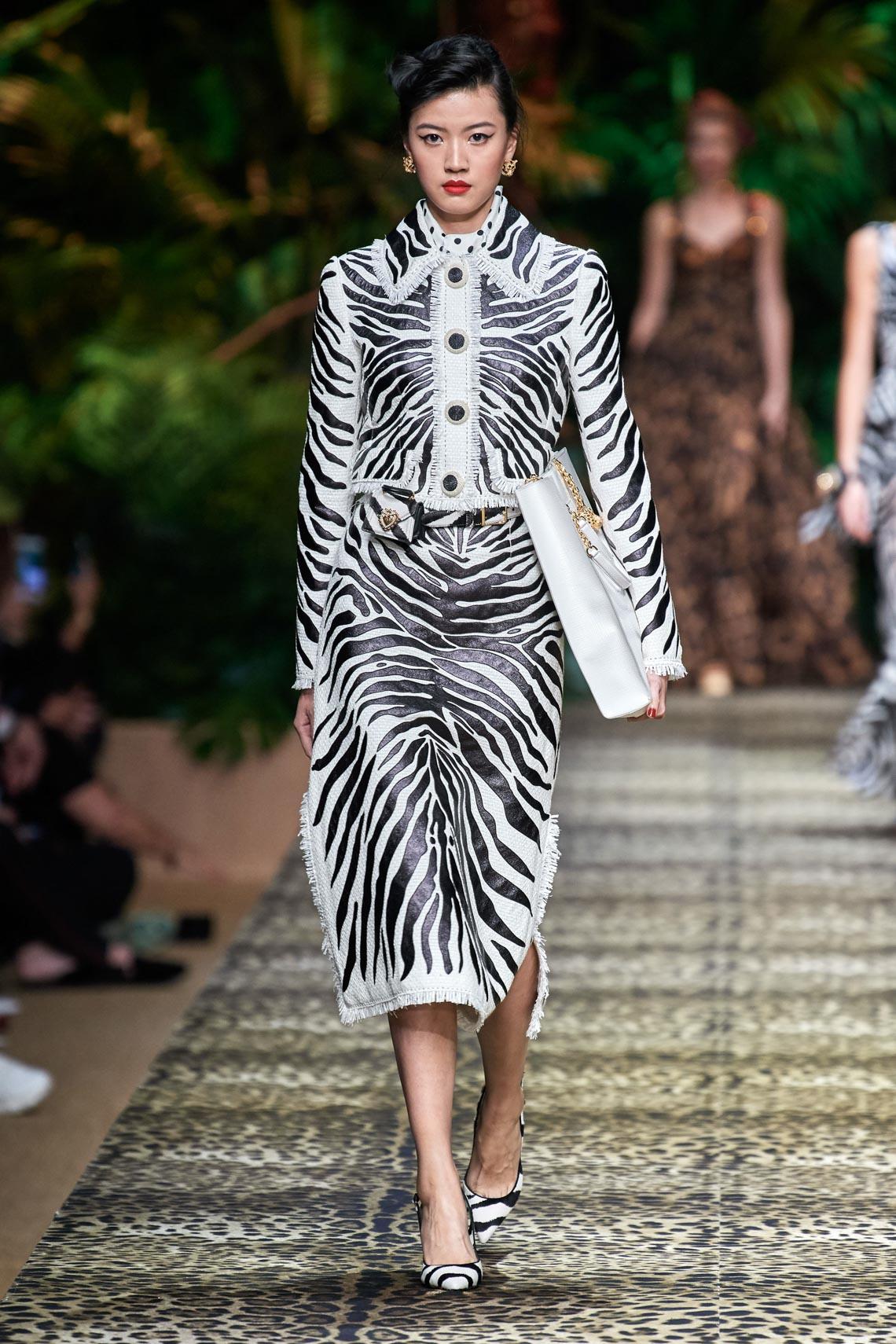 Dolce & Gabbana mang cả khu rừng sang trọng vào BST Xuân Hè 2020 - 18