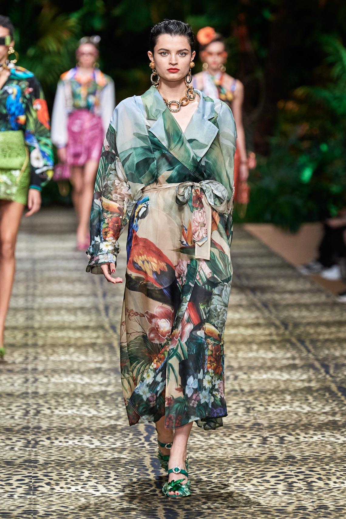 Dolce & Gabbana mang cả khu rừng sang trọng vào BST Xuân Hè 2020 - 19