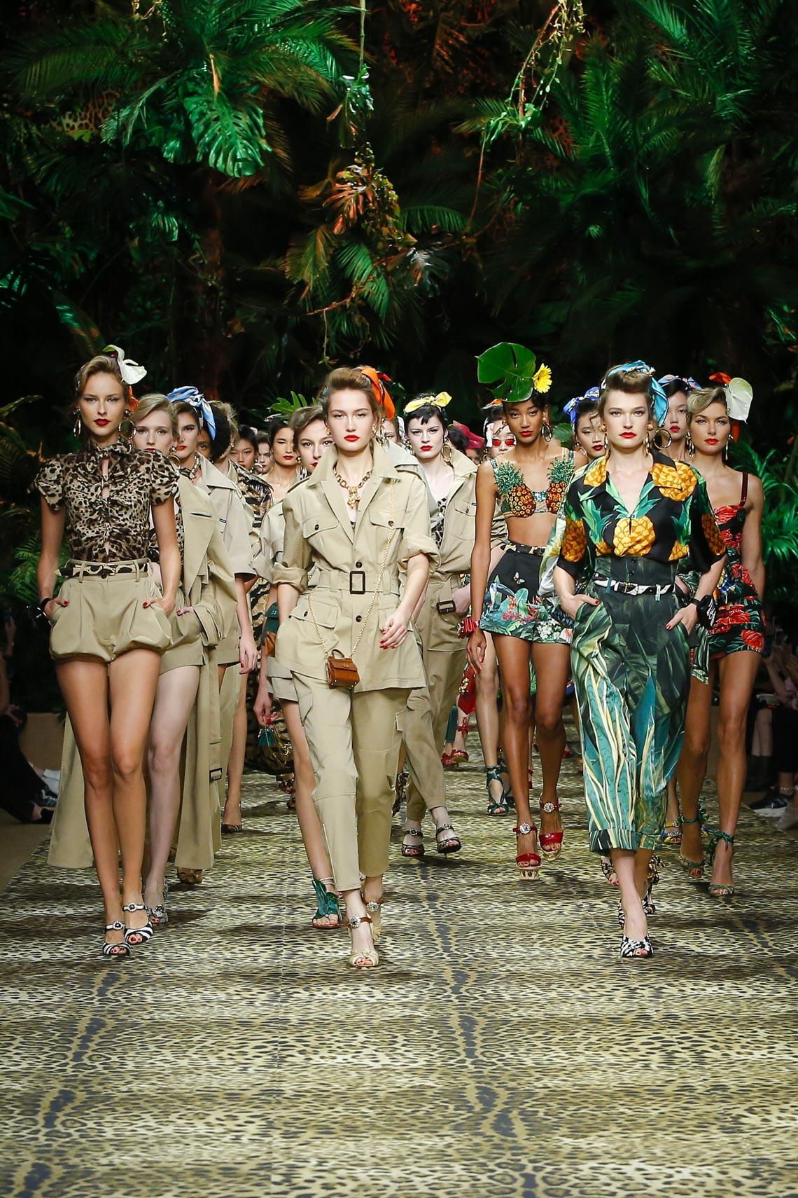 Dolce & Gabbana mang cả khu rừng sang trọng vào BST Xuân Hè 2020 - 21