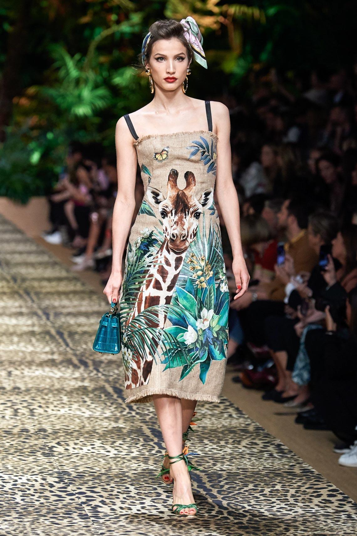 Dolce & Gabbana mang cả khu rừng sang trọng vào BST Xuân Hè 2020 - 3