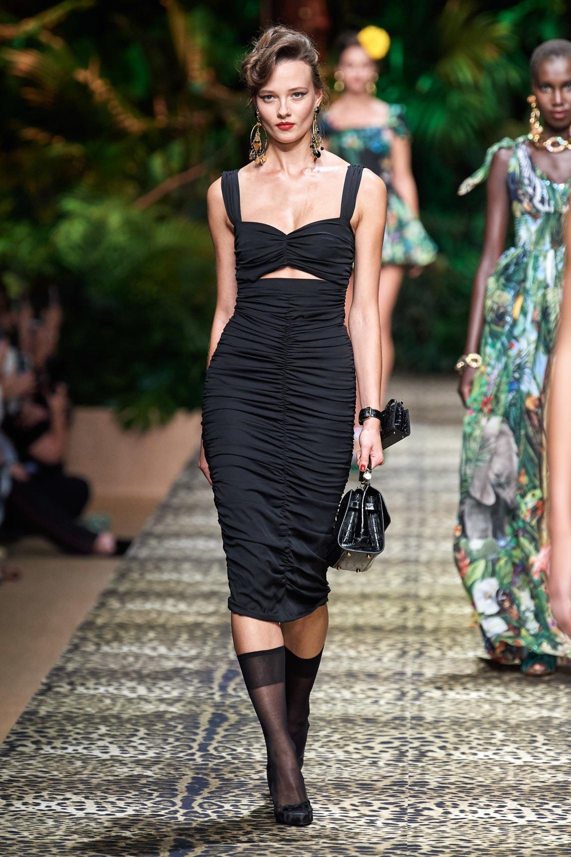 Dolce & Gabbana mang cả khu rừng sang trọng vào BST Xuân Hè 2020 - 6