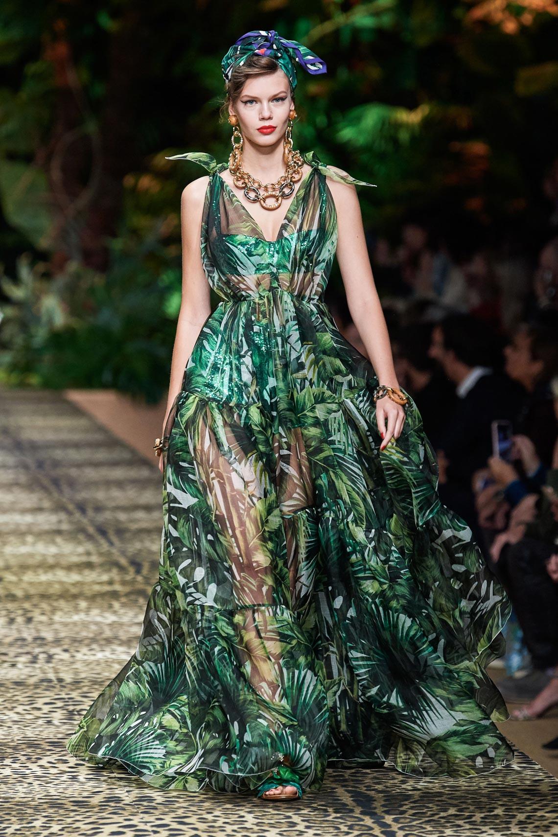 Dolce & Gabbana mang cả khu rừng sang trọng vào BST Xuân Hè 2020 - 7