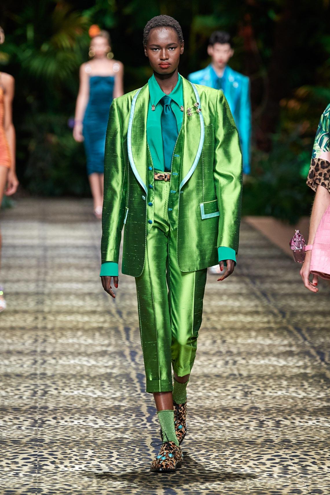 Dolce & Gabbana mang cả khu rừng sang trọng vào BST Xuân Hè 2020 - 8