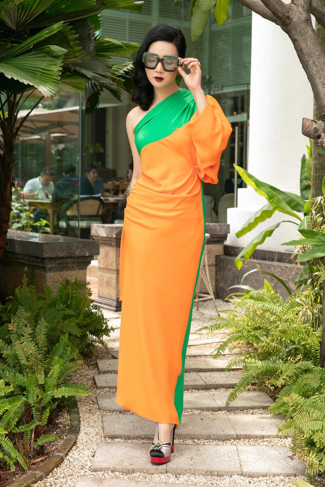 Cách phối trang phục đa sắc của những mỹ nhân V-biz - 12