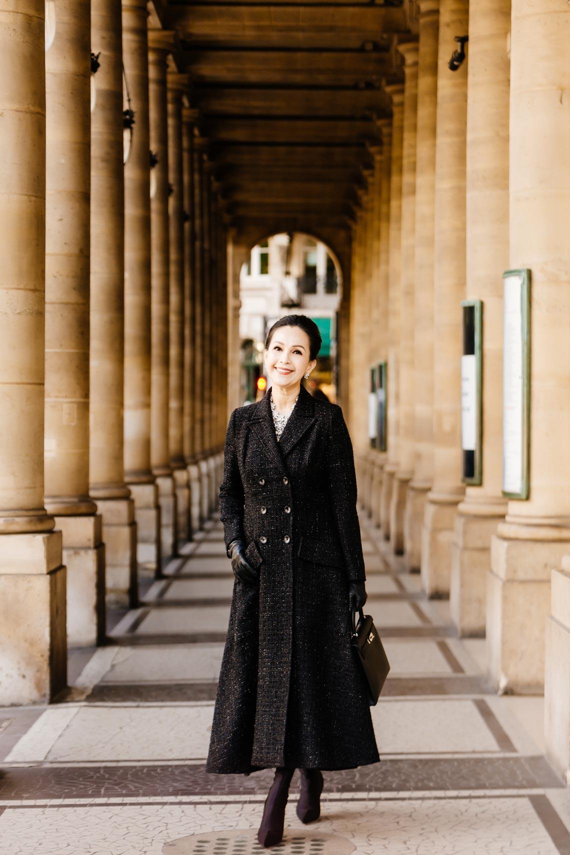 Diễm My sang trọng trong trang phục trắng đen dạo phố Paris - 11