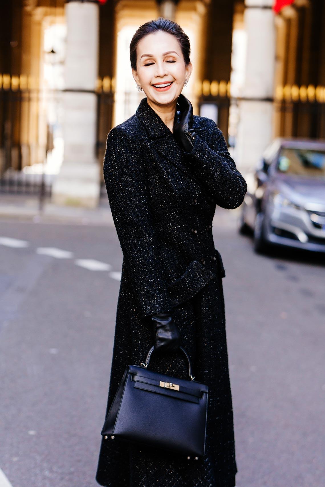 Diễm My sang trọng trong trang phục trắng đen dạo phố Paris - 12