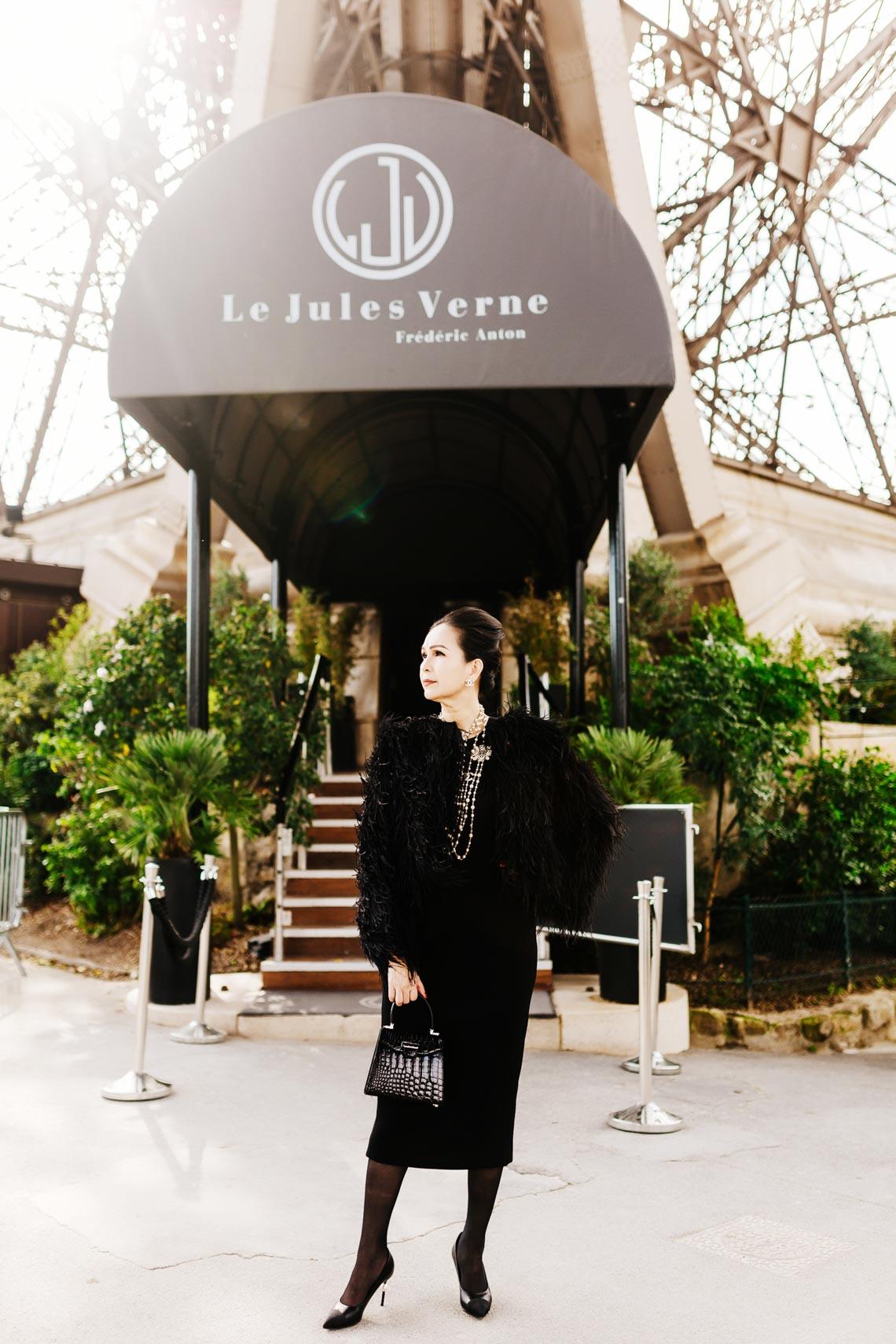 Diễm My sang trọng trong trang phục trắng đen dạo phố Paris - 14