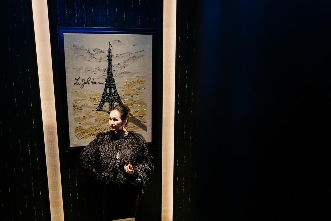 Diễm My sang trọng trong trang phục trắng đen dạo phố Paris - 20