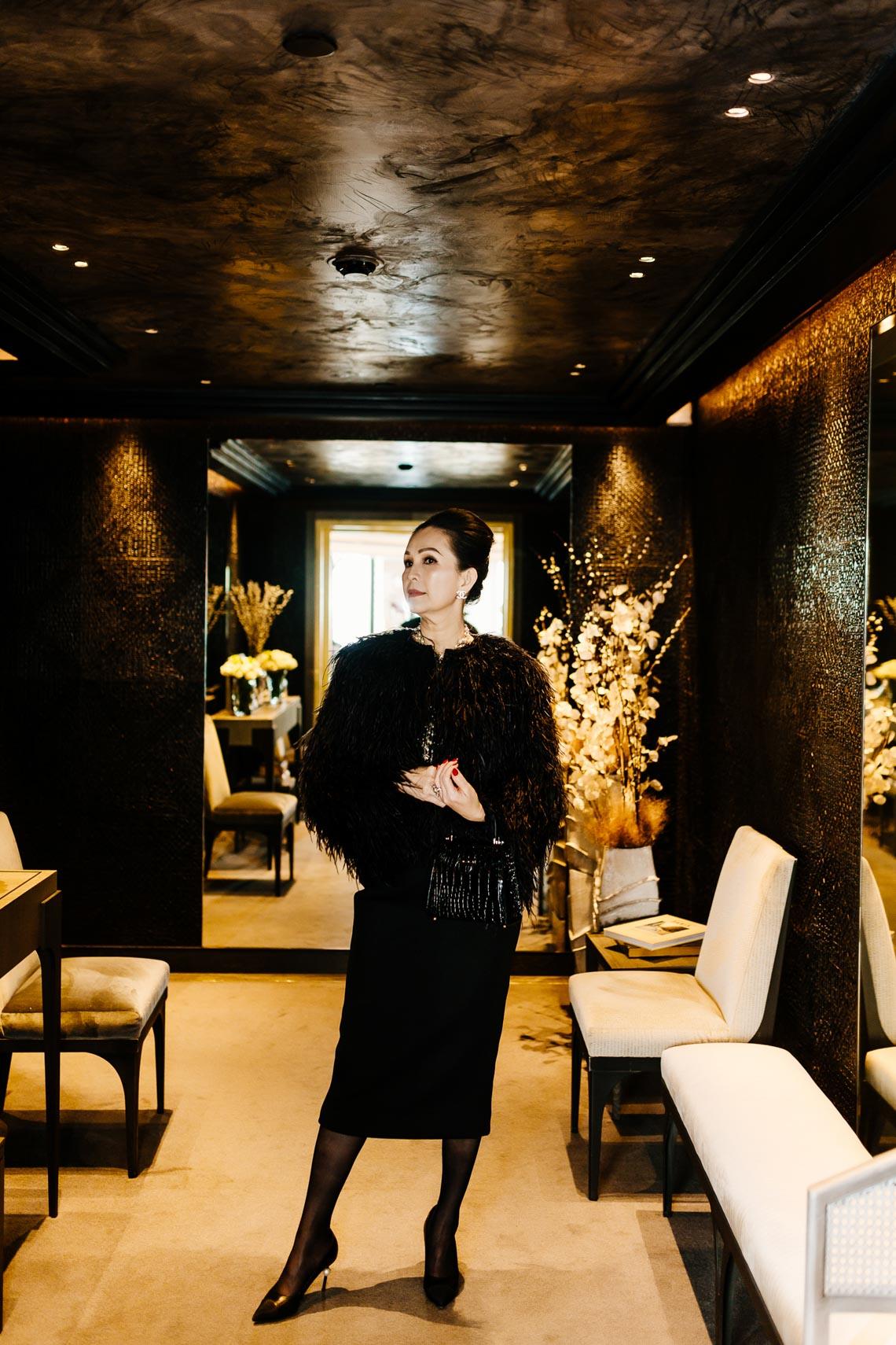 Diễm My sang trọng trong trang phục trắng đen dạo phố Paris - 21