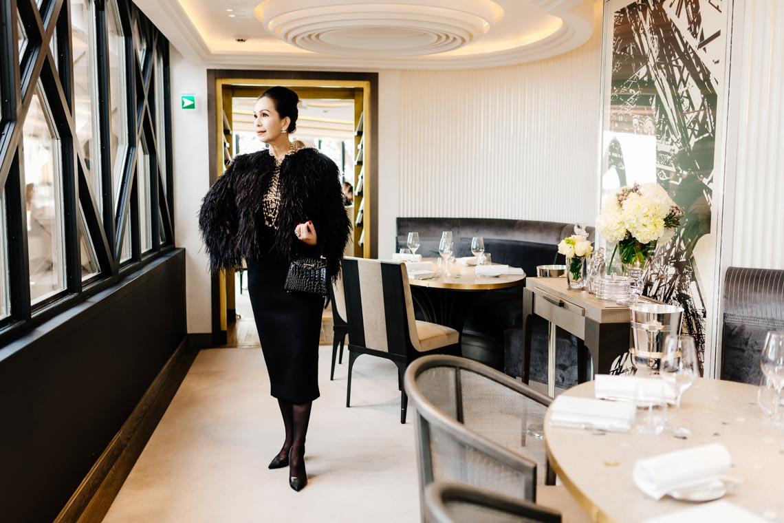 Diễm My sang trọng trong trang phục trắng đen dạo phố Paris - 22
