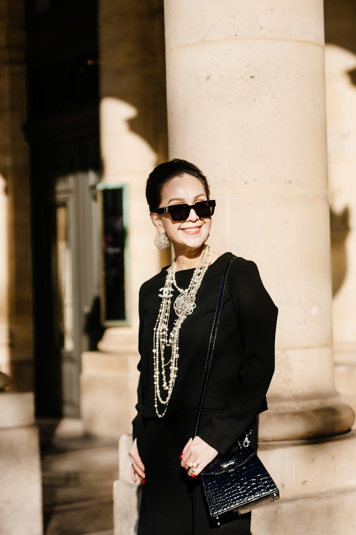 Diễm My sang trọng trong trang phục trắng đen dạo phố Paris - 8