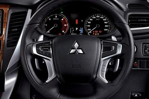 Mitsubishi Pajero Sport giảm giá gần 100 triệu đồng tại Việt Nam - 02