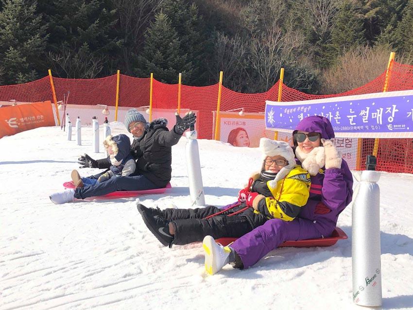 Đón giáng sinh, thỏa thích trượt tuyết ở Hàn Quốc - 3