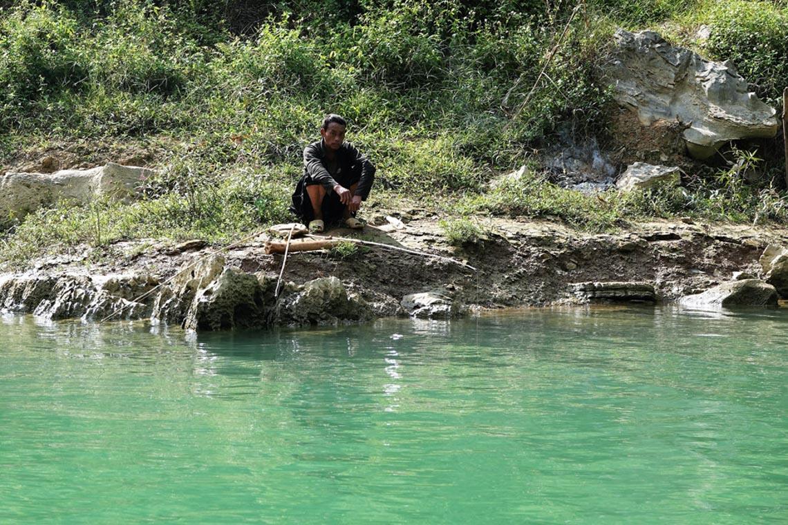 Sững sờ dòng sông Nho Quế xanh mướt, dịu dàng giữa núi đá - 10