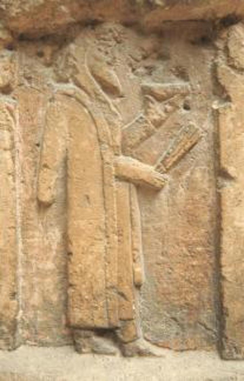 Đức vua Ba Tư toàn năng và kẻ mạo nhận trơ trẽn - 4