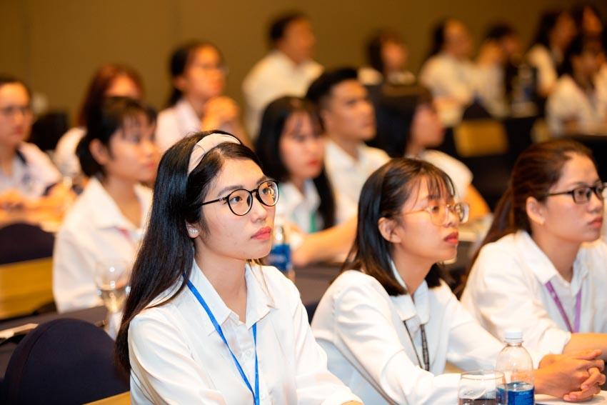 LOTTE Legend Saigon trao học bổng cho sinh viên xuất sắc ở TP. Hồ Chí Minh - 2