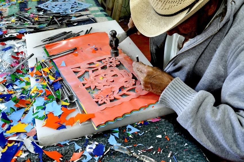 Nghệ phẩm chạm khắc giấy Mexico - 23