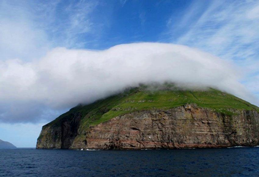 Những hòn đảo độc đáo nhất hành tinh - 10