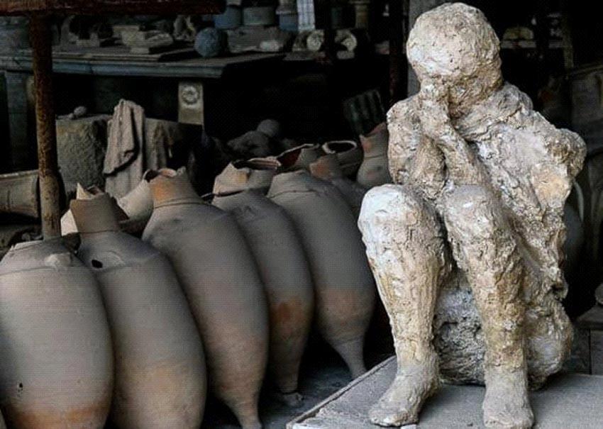 Những phát hiện mới nhất về thành phố Pompeii bị núi lửa chôn vùi - 1