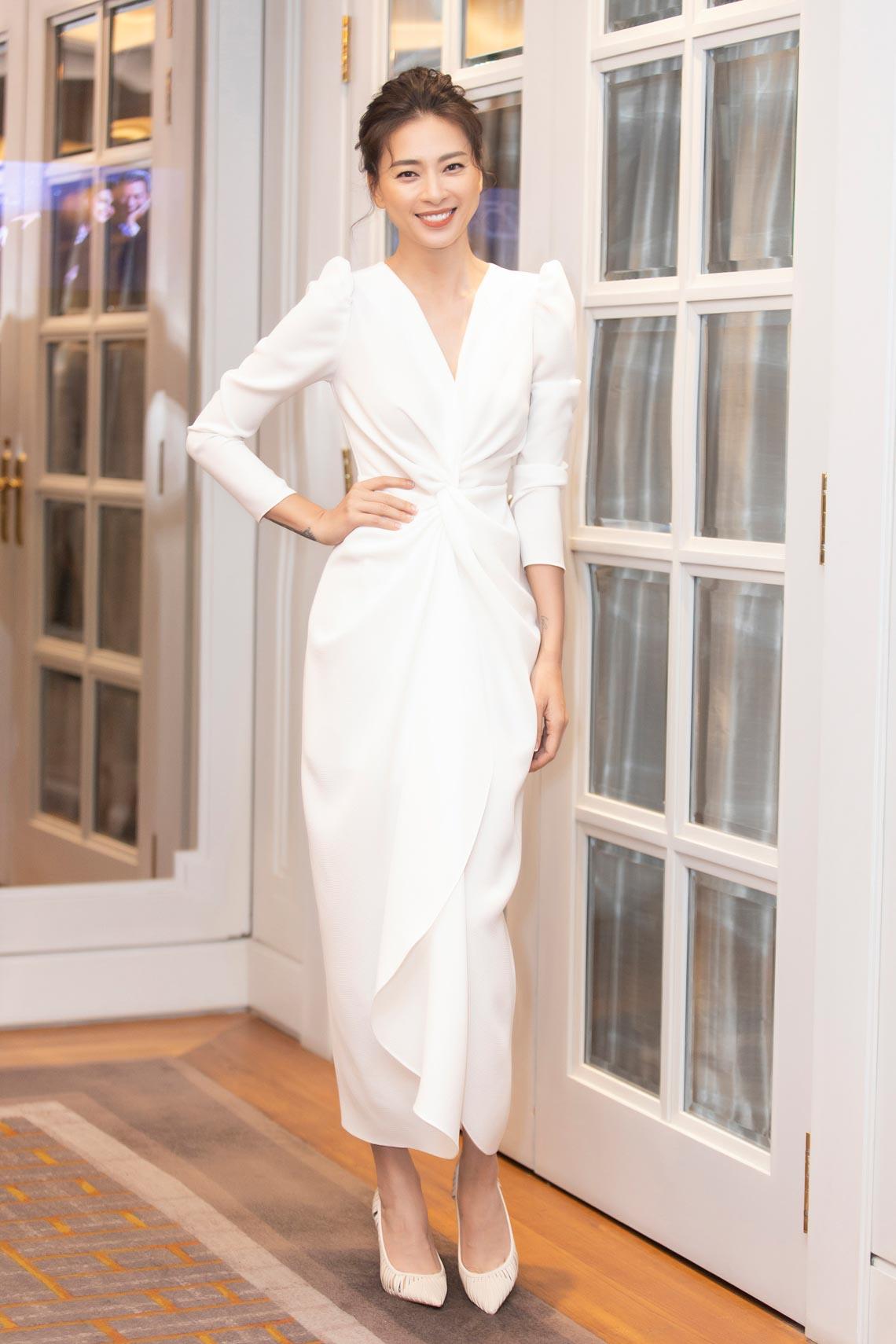 Dàn mỹ nhân diện trang phục trắng tinh khôi của NTK Đỗ Mạnh Cường - 6