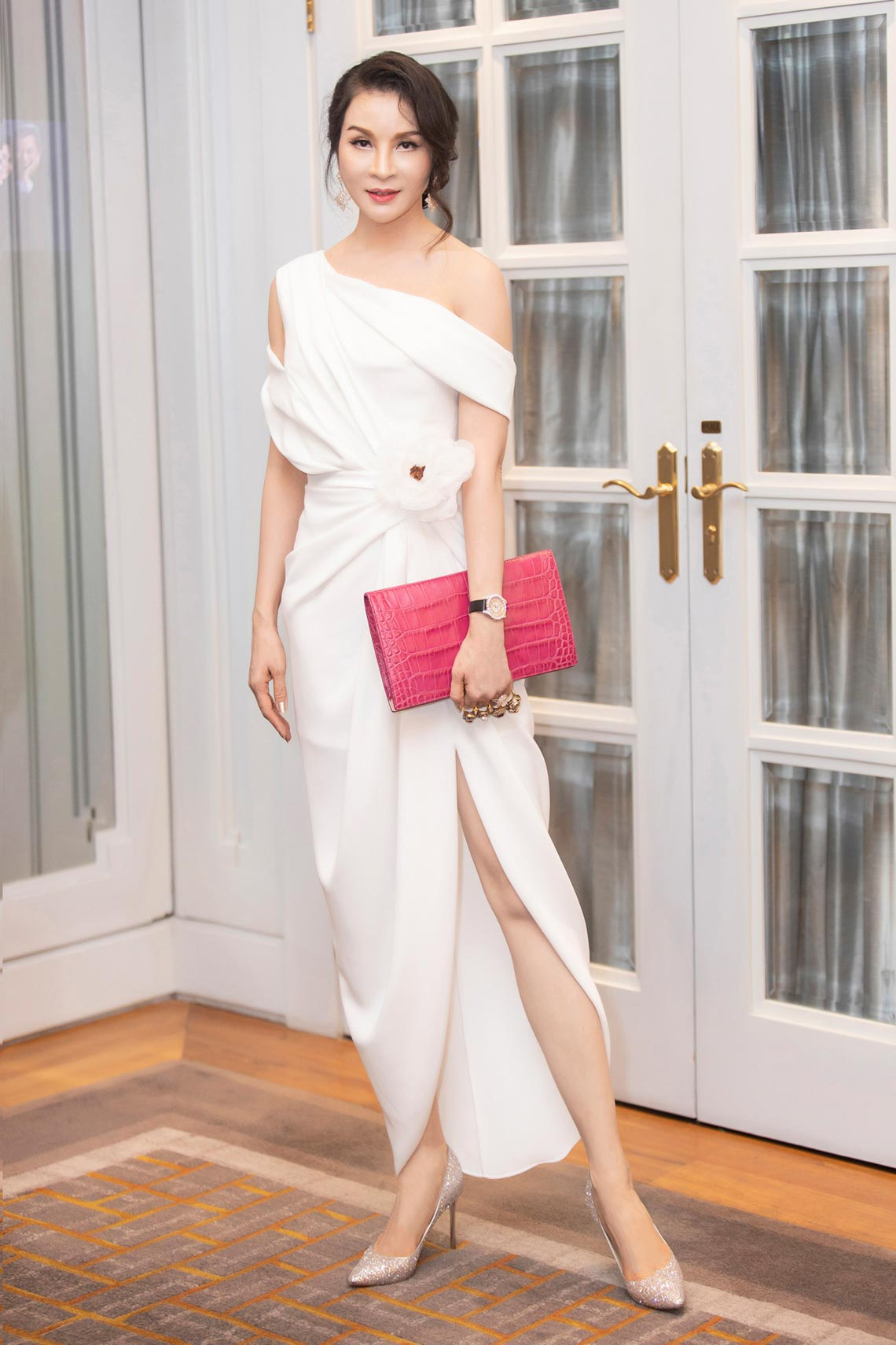 Dàn mỹ nhân diện trang phục trắng tinh khôi của NTK Đỗ Mạnh Cường - 8