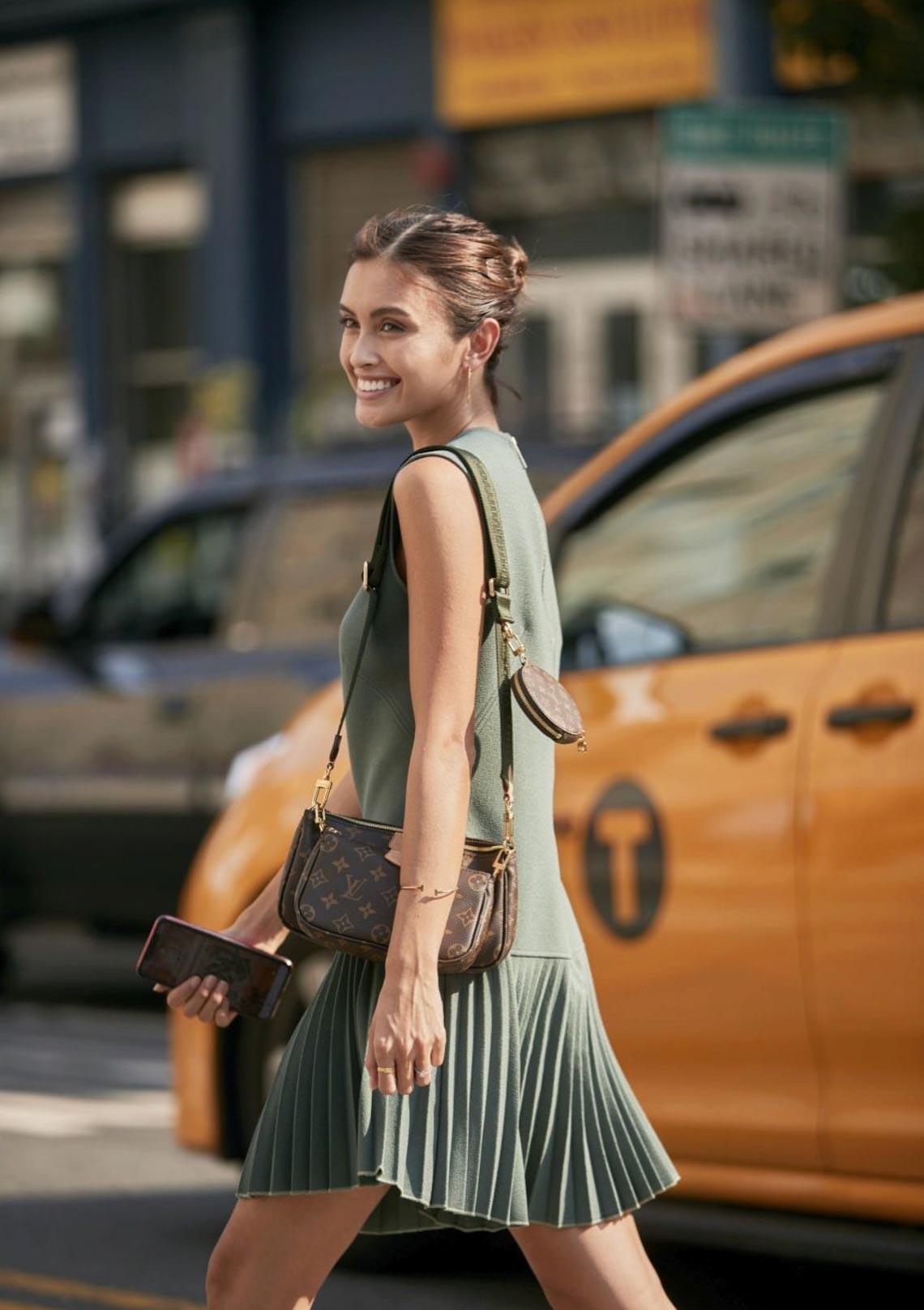 Multi Pochette - mẫu túi biến tấu mới của nhà Louis Vuitton - 2