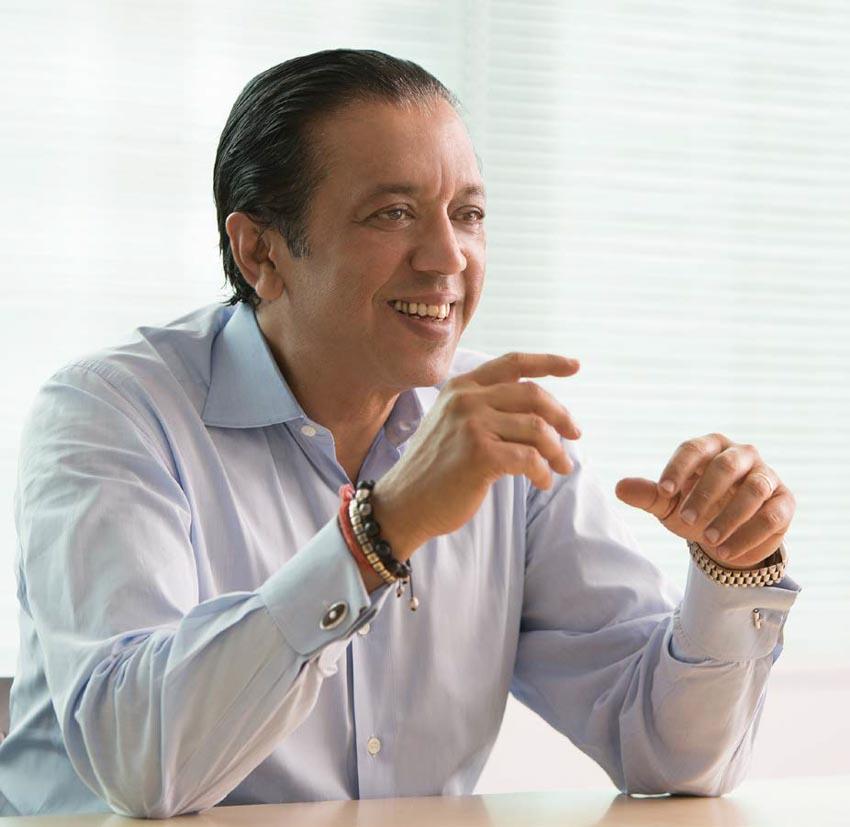 Giám đốc Vision Fund của SoftBank bác bỏ sự chỉ trích về định giá công ty startup - 2