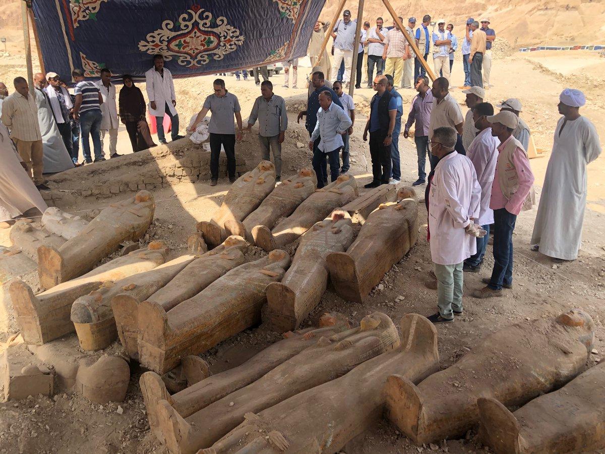 Phát hiện loạt xác ướp 3.000 năm tuổi nguyên vẹn đến kinh ngạc. - 2